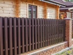 Забор из металлического штакетника Рассрочка